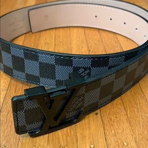 Black Louis Vuitton belt